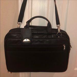 "BRAND NEW Samsonite 17"" Leather Bag"